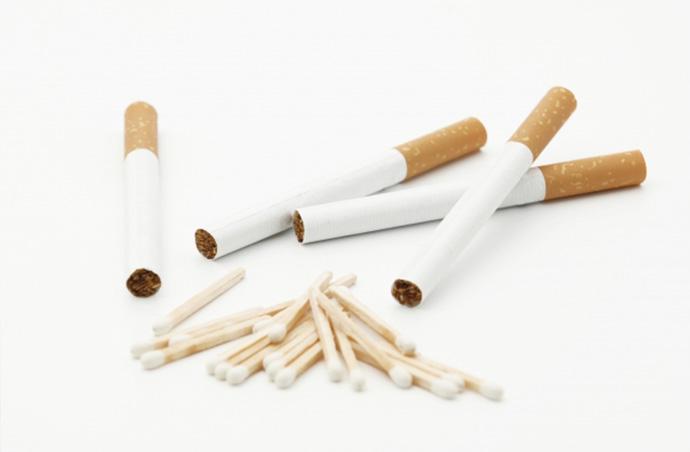 タバコが原因でムダ毛が濃くなる!?喫煙が肌に及ぼす3つの害