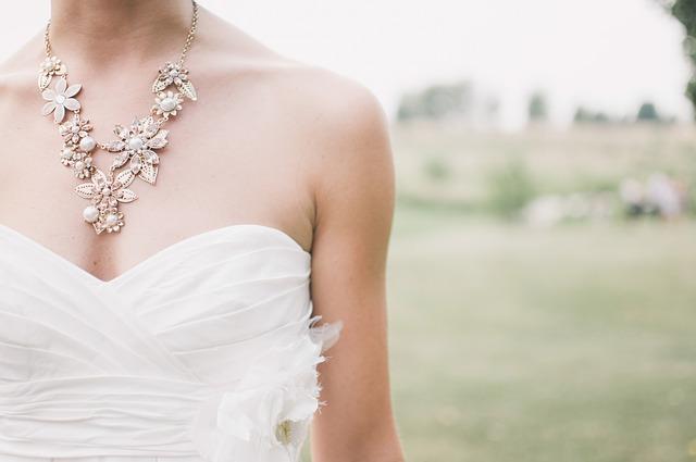 wedding-1594957_640