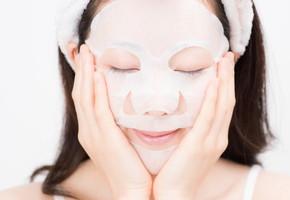 バリエーション豊富!色んなフェイスマスクをデイリーで楽しんで美白効果アップ♪