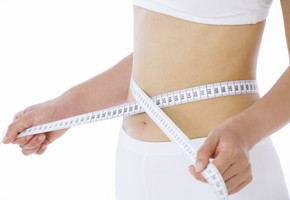 下っ腹が最近出てきたあなたへ。短期間でポッコリお腹を解消するダイエット法とは?