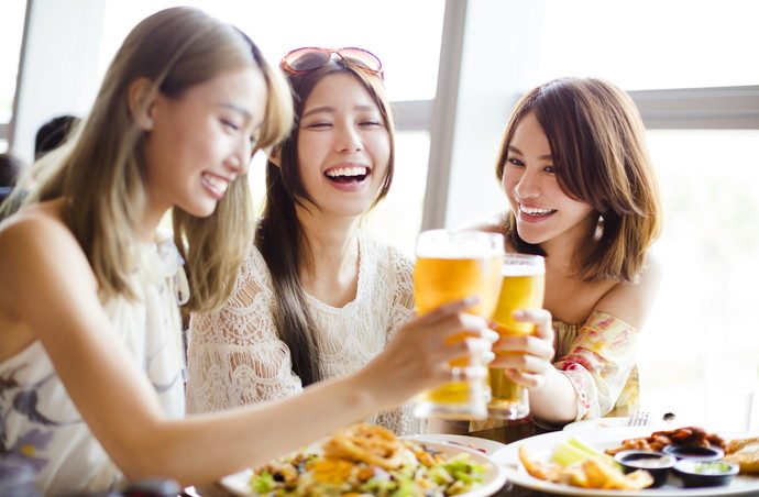 肌荒れの原因はお酒にあり!?美肌とアルコールの危ない関係・・・
