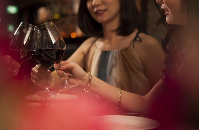 肌荒れの原因は飲酒にあり!?美肌とアルコールの危ない関係・・・