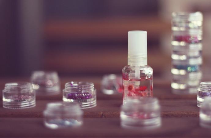 ネイルってどのくらいの頻度で塗り直す?爪の健康も大切に♡