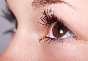 時間がかかる眉毛のお手入れ…脱毛で時間短縮できる?